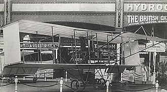 Bristol Boxkite - The Zodiac biplane at the 1910 Aero Show. The almost uncambered wing section is clearly visible.