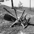 """D?rvo"" (dvojni plug), lesena konstrukcija, železna deska, Vojsko 1959 (3).jpg"