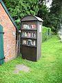 Öffentlicher Bücherschrank Meyenburg.JPG