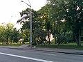 Вид з вулиці на Маріїнський парк.jpg