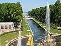 Петергоф, вид с террасы перед Большим дворцом на Морской канал и фонтан Самсон (2). 9.06.2011.jpg