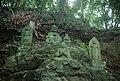 天覧山十六羅漢像/飯能市 - panoramio.jpg