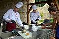 02014 Erbsensuppe aus der Heeres-Küche als kulinarisches Symbol auf der Burg zu Sanok.JPG