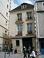 16-18 rue du Cloître-Notre-Dame, Paris 12 June 2010.jpg