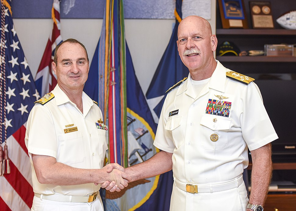 160706-N-FK070-001 Adm. Swift, commander of U.S. Pacific Fleet, conducts an office call with Vice Adm. David Johnston