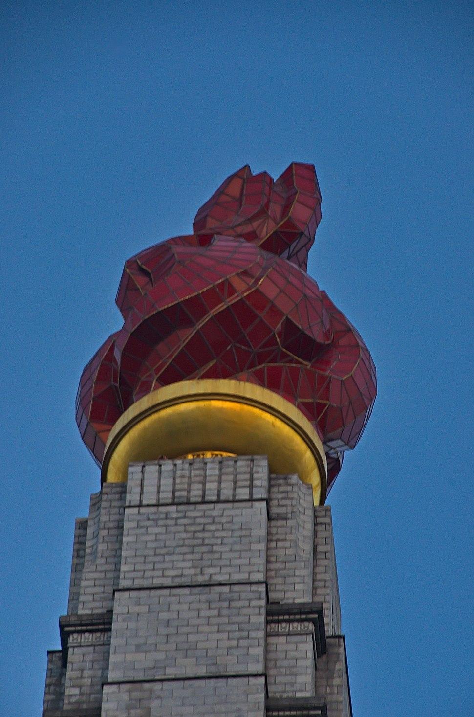 1730 - Nordkorea 2015 - Pjöngjang - Juche Turm (22791978320)