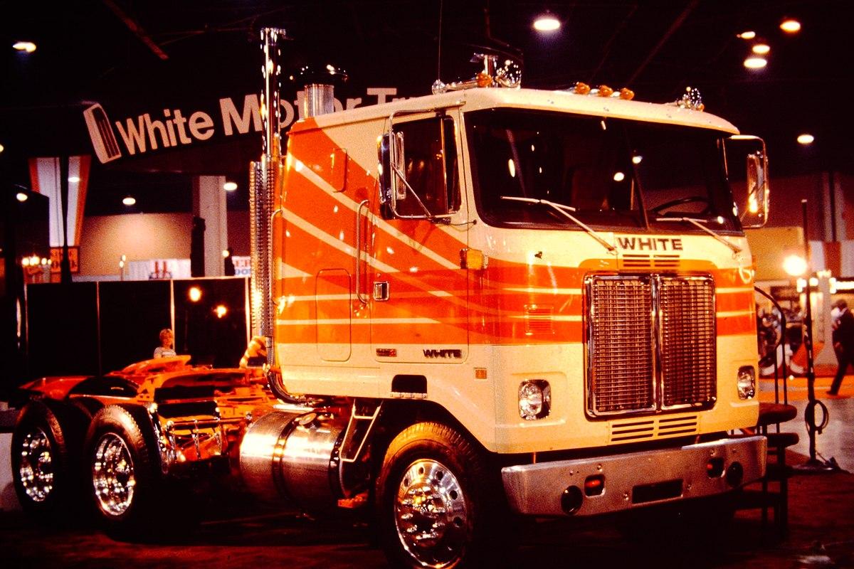 Atlanta Truck Center >> White Road Commander - Wikipedia