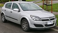 2005 Holden Astra (AH MY05) CD 5-door hatchback (2015-08-07) 01.jpg