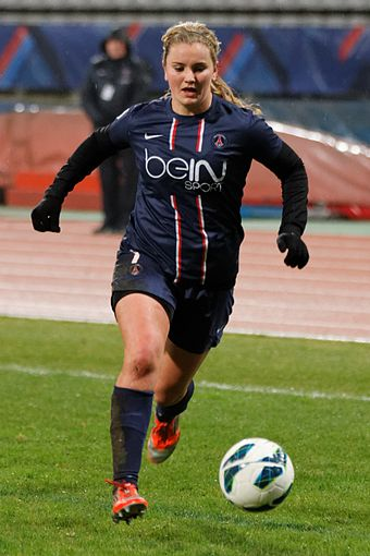 Horan with PSG during the 2012–13 season 20130113 - PSG-Montpellier 088.jpg