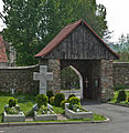 2014 Kamienica, kościół św. Jerzego, mur 07.JPG