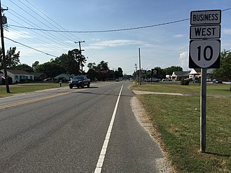 Virginia State Route 10 - View west along SR 10 Bus (and south along US 258 Bus) in Smithfield