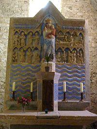 252 Chapelle de Parlatges Retable en pierre du XIVème siècle -scènes de la vie de la Vierge-.JPG