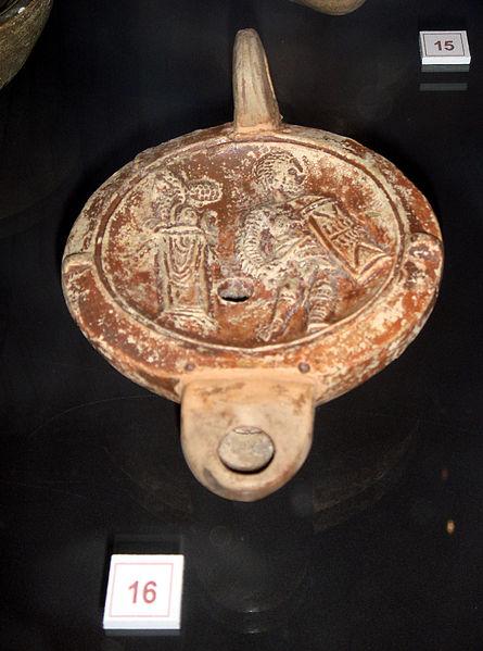 File:4152 - Milano - Antiquarium - Lucerna con gladiatore, sec. I-II dC - Foto Giovanni Dall'Orto - 14-July-2007 - 1.jpg