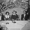 Aankomst van de zangeres Maria Meneghini Callas op Schiphol Maria Callas tijden, Bestanddeelnr 910-5060.jpg