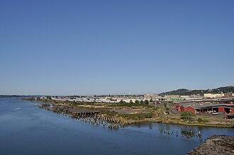 Aberdeen, Washington - Image: Aberdeen, WA Downtown & Wishkah River from Rt 101