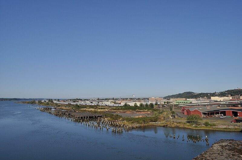 File:Aberdeen, WA - Downtown & Wishkah River from Rt 101.jpg