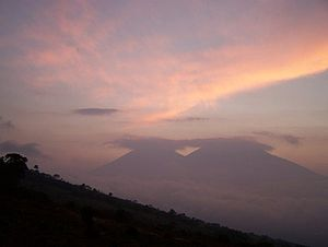 Acatenango - Image: Acatenango and Fuego at Sunset