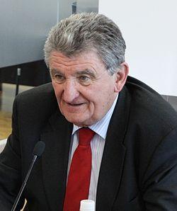 Alain Néri - 2011 (cropped).jpg