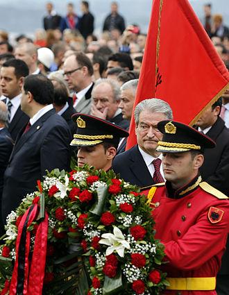 100th Anniversary of the Independence of Albania - Image: Albanien feiert 100 Jahre Unabhängigkeit (8232495798)