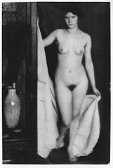 Alfred Stieglitz- -Standing Female Nude in Doorway Holding White Cloth-, Clarence H. White, 1907.jpg