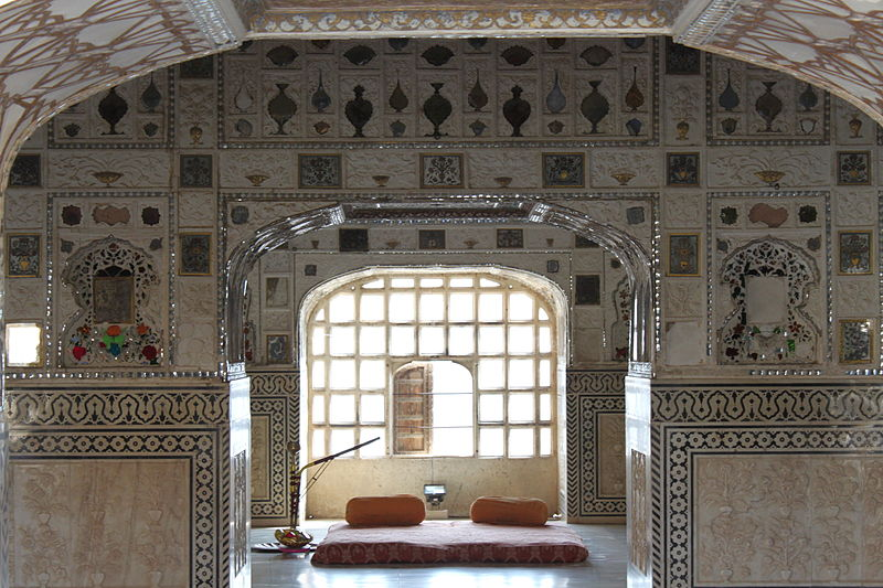 File:Amber Fort Second Courtyard Mirror Palace view.jpg