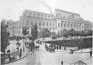 Palace of Justice, Bucharest - Palace of Justice circa 1900 (a horse-drawn tram to the left)