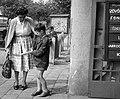 Anya, fiú és játékrepülő, 1964. Fortepan 41273.jpg