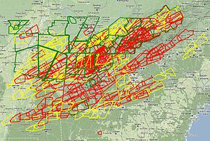 2011 Super Outbreak - Map of all tornado (red), severe thunderstorm (yellow), and flood (green) warnings issued on April 27.