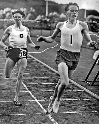 Mile run - Gunder Hägg (right) defeats Arne Andersson with a world record for the mile of 4:06.2 min in Gothenburg in 1942.