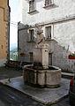 Arquata del Tronto - Piazza Umberto I - fontana.jpg