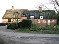 Attractive thatched cottages - geograph.org.uk - 1110861.jpg