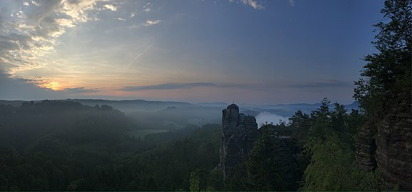 Aussicht Felsenburg Rathen auf den Nationalpark Sächsische Schweiz.jpg