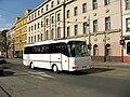 Autobus na Seifertově ulici u zastávky Husinecká.jpg