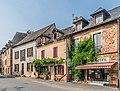 Avenue de la Tour in Clairvaux-d'Aveyron 01.jpg