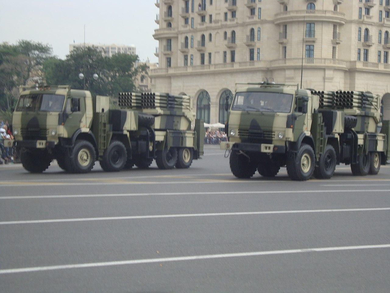 Russian MRLS: Grad, Uragan, Smerch, Tornado-G/S - Page 4 1280px-Azeri_Lynx_Grad%2C_parad_in_Baku%2C_2013