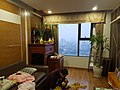 Bàn thờ gia tiên trong căn hộ ở Việt Nam.jpg