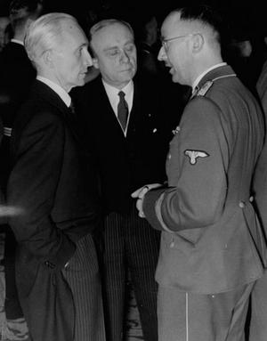 László Bárdossy - Bárdossy (left) with Ambassador to Germany Döme Sztójay (centre) and Reichsführer-SS Heinrich Himmler (right) in 1941