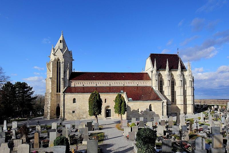 File:Bad Deutsch-Altenburg - Kirche (2).JPG
