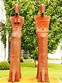 Baierbrunn Burgstraße 1 Skulptur Fischer.jpg
