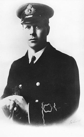 Barnes Wallis - Wallis as a sub-lieutenant in the   Royal Naval Air Service