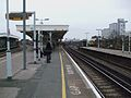 Battersea Park stn main line slow look south3.JPG