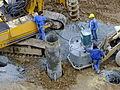 Baumaschine wird in Baugrube betankt DSCF5350.jpg
