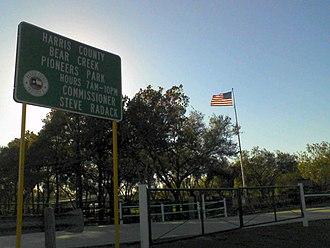 Bear Creek Pioneers Park - Image: Bear Creek Park Entrance 1