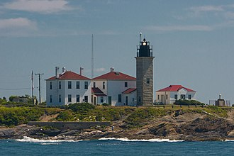 Beavertail Lighthouse - Image: Beavertail Light from a boat, 2007