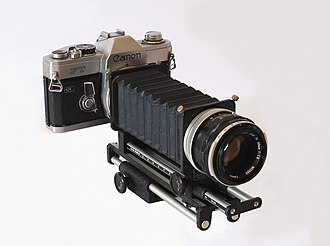 Bellows (photography) - A macrophotography bellows mounted on a Canon FT QL (1966)