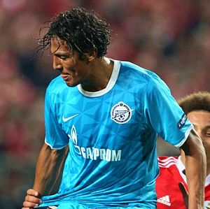 Bruno Alves - Alves in action for Zenit.