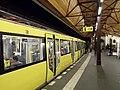 Berlin - U-Bahnhof Schlesisches Tor - Linie U1 (6320246296).jpg