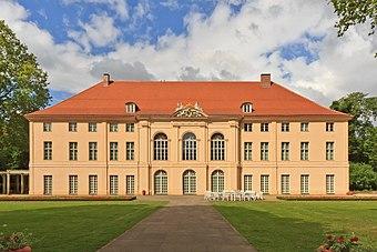 File:Berlin Schloss Schoenhausen 06-2014.jpg (Quelle: Wikimedia)