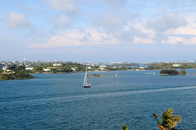 File:Bermuda - looking South West across Hamilton Harbour towards Southampton - panoramio.jpg