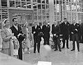 Bezoek koningin Juliana en prins Bernhard aan Gelderland. BezoekTiel jamfabriek, Bestanddeelnr 904-0703.jpg